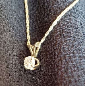 Jewelry - 🌹Reduced🌹Delicate .3k Diamond Solitaire Necklace